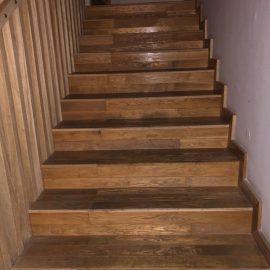 מדרגות פרקט ביקנעם