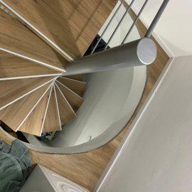 מדרגות פרקט בנשר
